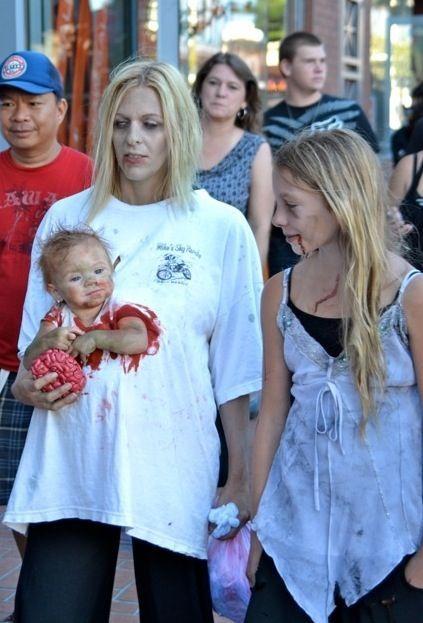 Déguisement Famille Zombie
