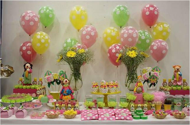 Image gallery decoration anniversaire - Idee de decoration de table pour anniversaire ...