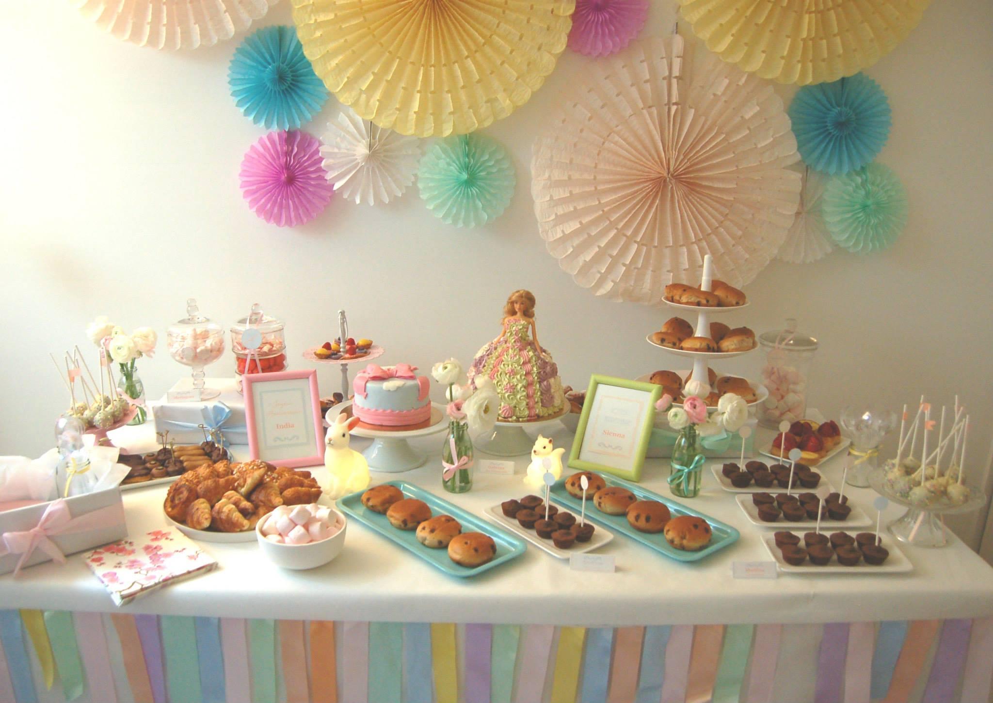 Comment d corer une table d anniversaire fashion designs - Comment decorer une table d anniversaire ...